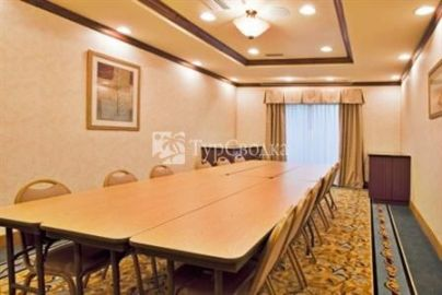 Holiday Inn Express Hotel & Suites Bartow 2*