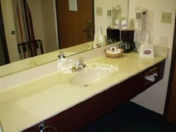 Country Hearth Inn - Bowling Green 2*