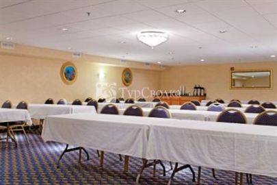 Holiday Inn Express Branford/New Haven 3*