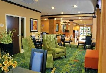 Fairfield Inn & Suites Brunswick 2*