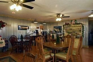 Cart Barn Inn @ Yoda Creek 3*