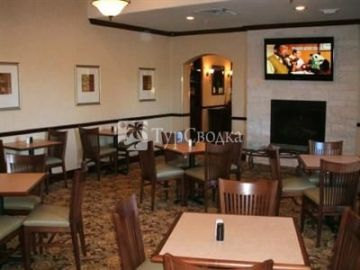 Country Inn & Suites College Station 2*