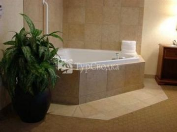 Hampton Inn & Suites College Station/US 6-East Bypass 3*
