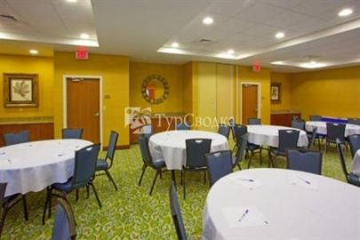 Holiday Inn Express Hotel and Suites Culpeper 2*