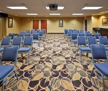 Holiday Inn Express & Suites Great Falls 2*
