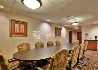 Holiday Inn Express Hotel & Suites Harriman 2*