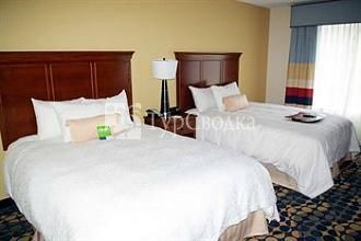 Hampton Inn & Suites Huntersville 3*