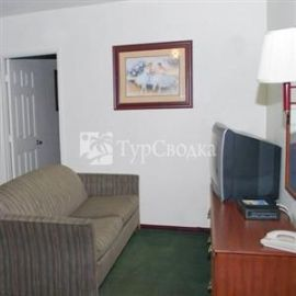 American Inn and Suites LAX Airport 3*