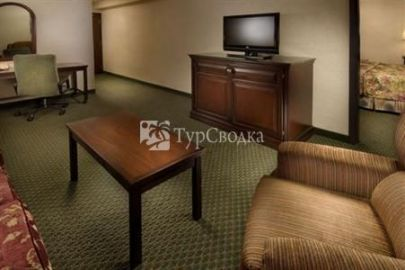 Drury Inn & Suites Kansas City Airport 3*