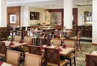 Забронируйте номер в отеле Hilton Garden Inn Lake Forest Mettawa,  расположенном в городе Lake Forest (Il), сейчас, выбрав даты пребывания и  заполнив ...