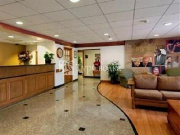Lancaster Red Roof Inn 3*