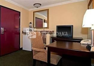 Comfort Inn & Suites Chatsworth 3*