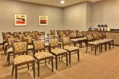 Holiday Inn Express Los Angeles-LAX Airport 2*