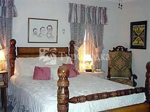 Woodrow House Bed and Breakfast 2*