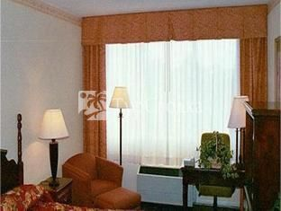Holiday Inn Hotel & Suites Marietta 3*