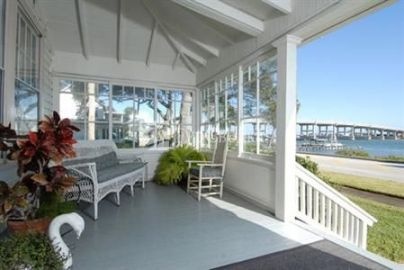 Night Swan Intracoastal Bed and Breakfast 3*