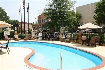 Hampton Inn Newberry Opera House 3*