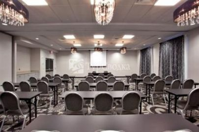 Holiday Inn Express Hotel & Suites Norfolk International Airport 2*