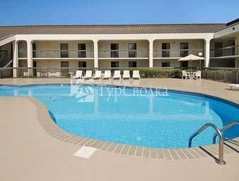Ramada Norfolk Airport 2*