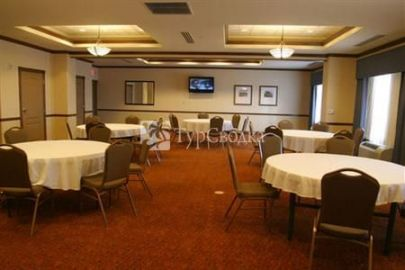 Country Inn & Suites Oklahoma City North 2*