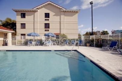 Extended Stay Deluxe Richmond - I-64 - West Broad Street 3*