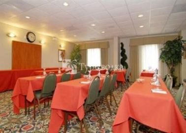 Comfort Inn & Suites North Orlando / Sanford 3*