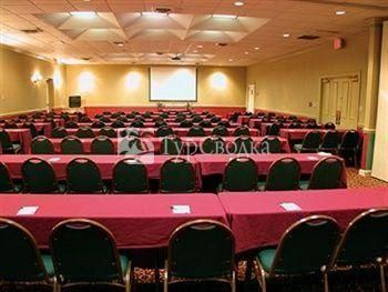 Stillwater Plaza Hotel and Conference Center 3*