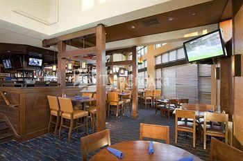 Doubletree Hotel Bradley International Airport 3*